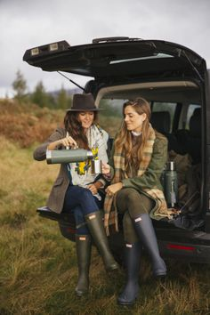 A Drop of Scotch Sunshine - The Londoner Country Walk, Country Chic, Country Girls, Country Casual, Country Roads, British Country Style, British Countryside, Country Style Fashion, British Style Outfits