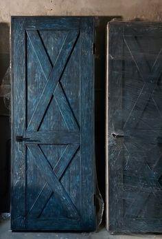 Межкомнатные двери в стиле лофт - превосходство индивидуальности!!! Сто процентов ручная работа, многослойная, винтажная покраска и качественная фурнитра - все это авторские двери от производителя; собственная технология производства, которая позволяет дать пожизненную гарантию на наши изделия. Купить и заказать межкомнатные двери в стиле лофт можно у нас на сайте. Шкаф, Мебель, Домашний Декор