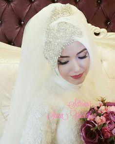 Hijabi Wedding, Wedding Hijab Styles, Muslimah Wedding Dress, Muslim Wedding Dresses, Wedding Attire, Bridal Dresses, Indian Muslim Bride, Muslim Brides, Bridal Hijab