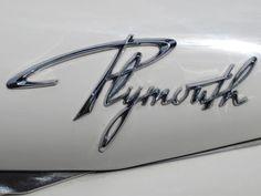 Logo do Plymouth, tirado de http://www.beastpieces.com/2012/06/vintage-vehicle-logotypes/