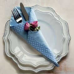 44 Ideas Origami Diy Decoration Napkin Folding For 2019 Diy And Crafts, Arts And Crafts, Dining Etiquette, Deco Originale, Napkin Folding, Decoration Table, Napkin Rings, Tea Party, Projects To Try