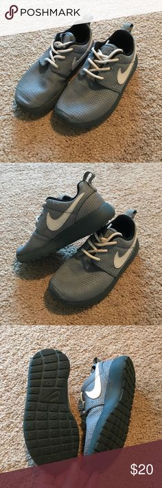 Kids Nike Roshe Sneakers Worn a couple of times. Nike Shoes Sneakers