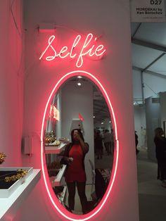 DIY miroir : 18 idées pour le customiser Boutique Interior, Salon Interior Design, Restaurant Interior Design, Clothing Store Interior, Nail Salon Design, Boutique Decor, Boho Boutique, Modern Restaurant, Room Ideas Bedroom