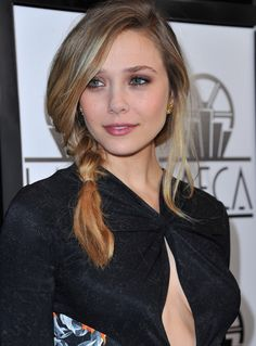 Elizabeth Olsen Photos: 37th Annual Los Angeles Film Critics Association Awards - Red Carpet
