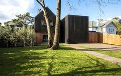 Cozy Renovated New Zealand House - InteriorZine