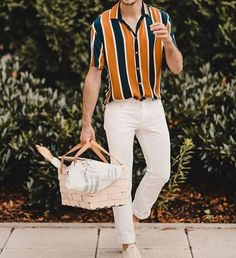 What are some great casual outfit for guys? Today we are talking all about casual outfit for guys and how you can wear them with a […] Summer Fashion Outfits, Casual Outfits, Men Casual, Spring Outfits, Casual Wear, Spring Fashion, Mens Fashion Wear, Retro Fashion Mens, Mens Fashion Trends 2019