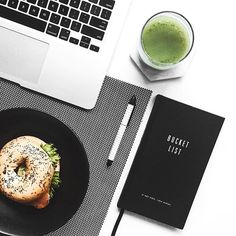 New Breakfast Photography Inspiration Ideas Breakfast Photography, Flat Lay Photography, Lifestyle Photography, Food Photography, Yellow Photography, Food Flatlay, Flatlay Styling, New Hair Colors, Brown Hair Colors