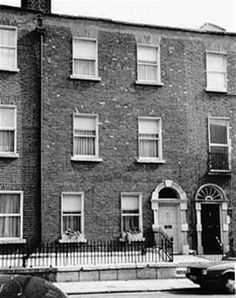 Eccles Street, late 1970s. Dublin Street, Dublin City, Old Pictures, Old Photos, Ireland Homes, 1970s, Buildings, Memories, Architecture