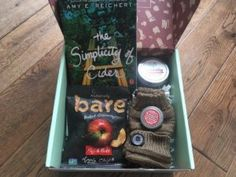 Lit Cube always picks great themes and I couldn't wait to see what was included in the Apple & Spice box. Spiced Apples, Subscription Boxes, Cube, September, Spices, Lunch Box, Books, Spice, Libros
