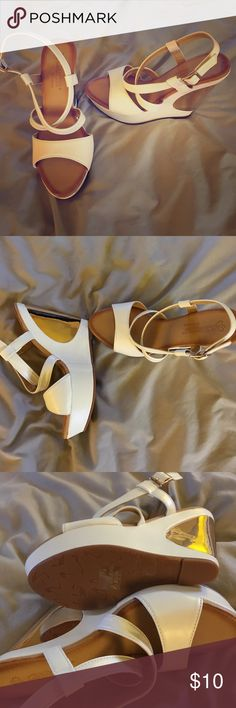 DbDk Fashion wedges. Size 8. New - in white/gold These are a cute pair of wedges, never worn. In white and gold. Size 8 Shoes Wedges