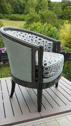 Ideas For Furniture Makeover Sofa Upholstered Chairs Home Decor Furniture, Furniture Makeover, Furniture Design, Reupholster Furniture, Upholstered Furniture, Muebles Art Deco, Shabby Chic Table And Chairs, Living Room Chairs, Chair Design