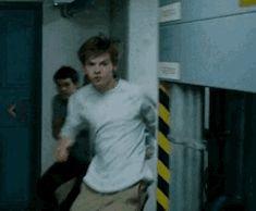 Newt Maze Runner, Maze Runner Funny, Maze Runner Thomas, Maze Runner Movie, Maze Runner Series, Dylan O'brien, James Dashner, The Scorch Trials, Thomas Brodie Sangster