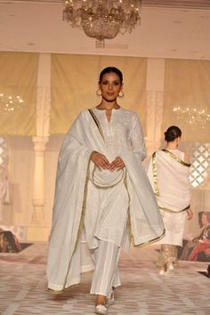 By designer Kotwara by Meera and Muzaffar Ali. Shop for your wedding trousseau with a personal shopper & stylist in India - Bridelan. Visit our web… | Pinteres…