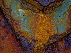 Love the vibrant colours & patterns created by rust