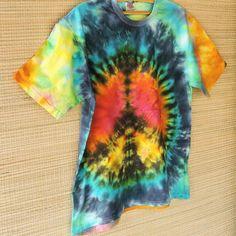 Cheia de cores cheia de vida e com muita paz!  Camisetas tiedye unissex a partir de R$ 5490  Veja todas! Peça seu catálogo por mensagem ou via whatsapp: 13 98216 6299
