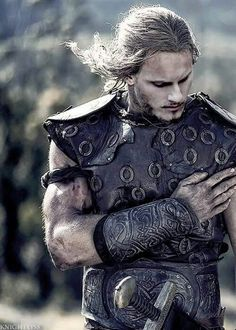 Björn Ironside_Season 4, Vikings, warrior, tv, hand, costume, macho, beard, long hair
