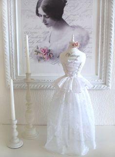 Mini dress form / mannequin