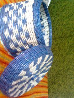 Modrobiela dóza dokončená Throw Pillows, Bed, Home, Cushions, Stream Bed, House, Ad Home, Decorative Pillows, Decor Pillows