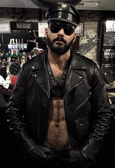 Leather Fashion, Leather Men, Leather Jacket, Mens Fashion, Cute Guys, Kinky, Sexy Men, Handsome, Europe