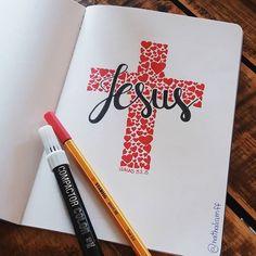 Ele levou sobre si as nossas dores, as nossas maldições. Apesar do que somos, de quem somos, ele se ofereceu em sacrifício para que fôssemos salvos, fôssemos livres. Nunca, NUNCA houve nem haverá outro amor assim. #lettering #handlettering #letteringlove #letteringlovers #caligrafia #caligrafiapararelaxar #caligrafiaartistica #letteringlover #letteringdesign #bible #biblia #pascoa #jesus #versiculo #jesuslettering #easter #cruz #cross #love #gospel #grace #graça #salvacao #salvation #amor Lettering Tutorial, Hand Lettering, Quick View Bible, Bullet Journal 2019, Jesus Art, Jesus Freak, Letter Art, Bible Art, Picture Quotes