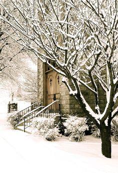 Church on a snowy morning in Marblehead, Ohio winter door Winter Szenen, I Love Winter, Winter Magic, Winter Is Coming, Winter Christmas, Outdoor Christmas, Christmas Photos, Christmas Morning, Winter Night