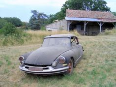 The Citroen DS was a showcase of advanced technology and quirky styling, but shortly after its release in 1955 the French manufacture realized they needed a cheaper version to be appealing to a wider market. Citroen Ds, Manx, Automobile, Citroen Traction, Abandoned Cars, Barn Finds, Oeuvre D'art, Maserati, Old Cars