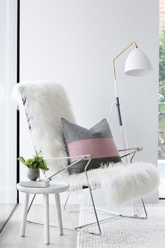 Furry Chair ++ Rug ++ Side Table.