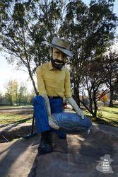 The Big Gold Panner - Bathurst. New South Wales Australia Capital, Australia Funny, Western Australia, Wildlife Tourism, Big Country, South Wales, Riding Helmets, Bucket, Icons