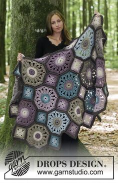 Gypsy Wagon - Crochet blanket with octagons and squares. The piece is crocheted in DROPS Andes.  Free crochet pattern DROPS 180-9 #crochetstitches