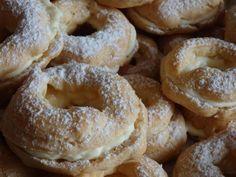 Tradiční věnečky z odpalovaného těsta v netradičním provedení s lehkým krémem Bagel, Doughnut, Bread, Sweet, Food, Fine Dining, Candy, Brot, Essen