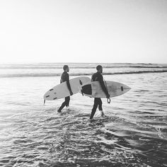#portugal #lisbon #costacaparica #surf #surfing #surfer #sport #ocean #waves #sun #weekend (at Costa De Caparica, Setubal, Portugal)