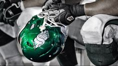 The Saskatchewan Roughriders announced today they have signed non-import running back Daryl Stephenson. Go Rider, Saskatchewan Roughriders, Saskatchewan Canada, Running Back, Green Colors, Football Helmets, Pride, Sign, Colour