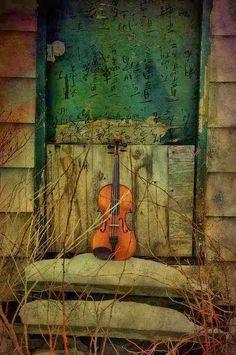 ♡ La música expresa:... lo que no se puede poner en palabras y no puede permanecer en silencio....