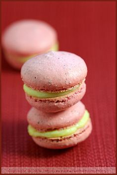 Cardamom and Wattle Seeds Macarons with Orange Filling (recipe)