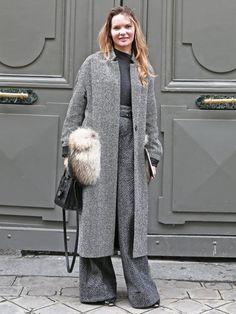 真似したい冬のコーディネート☆ワイドパンツにロング丈コートを上手に組み合わせて♡