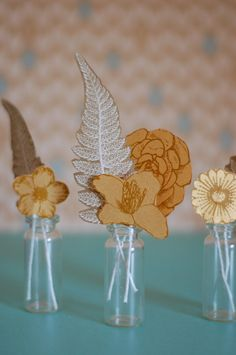 Cute and easy paper flowers.