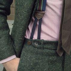 Parisian Gentleman: mnswrmagazine: Details… By Mens Tweed Suit, Tweed Suits, Mens Suits, Tweed Wedding Suits, Suit Fashion, Mens Fashion, Fashion Clothes, Fashion Outfits, Costume Vert