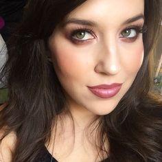 Instagram photo by @makeupchelsea via ink361.com Mac Eyeshadow Looks, Body Foundation, Face And Body, Flirting, Eye Makeup, Chelsea, Good Things, Instagram Posts, Makeup Eyes