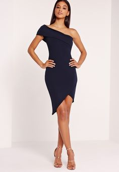 Asymmetric dresses are always top of our wish list here at Missguided and we're got our sights set on this dreamy navy beaut. In a figure flattering bodycon fit and one shoulder style, this dress we love, want and need! Grab your best heels...