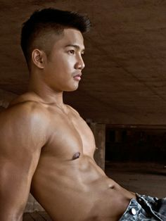 Asian men are beautiful. Please know the charm of Asian men. Cheers to the Asian youth ! Hot Asian Men, Asian Boys, Asian Male Model, Man Parts, Kim Joon, Shirtless Men, Gym Rat, Good Looking Men, Male Beauty