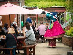 Nutkhut Stilt-walkers @ Glass Festival (image by Dee Patel)