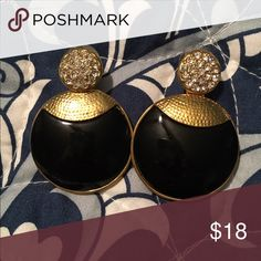 Gorgeous earrings Gorgeous black and gold plated earrings. Worn once, a bit too heavy for me. Jewelry Earrings