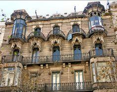 calle Diputación 248, facades of Barcelona.