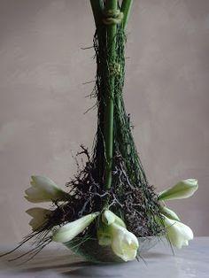 .: december 2011 Hotel Decor, Diy Flowers, Plant Hanger, Flower Art, Flower Arrangements, Glass Vase, Floral Design, Plants, Christmas