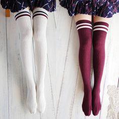 Navy wind twist vertical stripes two horizontal knee stockings