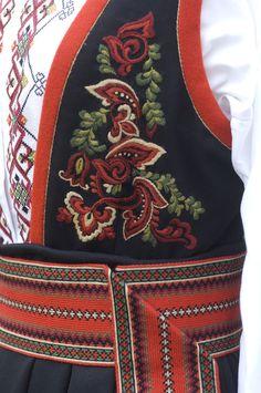 Bilder fra Bø, Lunde, Ulefoss, Gvarv, Akkerhaugen i Telemark Folk Costume, Costumes, Hand Embroidery, Apron, Folklore, Norway, Theater, Fashion, Embroidery