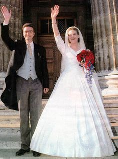 This is the wedding dress I want!! Duchess Eilika of Oldenburg and Archduke Paul Georg of Austria 1997