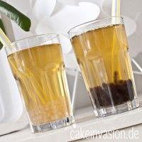 Bubble Tea selbstgemacht mit weißen und schwarzen Tapiokaperlen