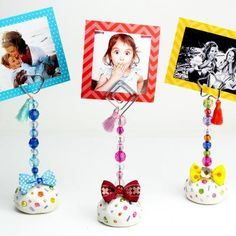 Painted Rock Photo Holder Craft for Kids: These make perfect homemade gifts for Christmas, Mother's Day or any special day! A fun art project for children of all ages! Crafts To Make And Sell, Diy Crafts For Kids, Art For Kids, Sell Diy, Homemade Christmas Gifts, Homemade Gifts, Cool Art Projects, Craft Projects, Beautiful Birthday Cards