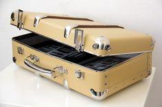 #Kazeto riveted suitcase Espresso Machine, Suitcase, Kitchen Appliances, Box, Design, Espresso Coffee Machine, Diy Kitchen Appliances, Home Appliances, Snare Drum